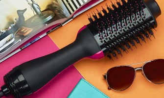 Why thousands of people are obsessed with this hair brush